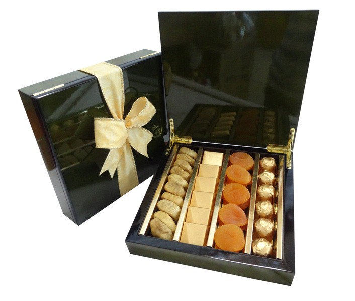 Chocolate and Dried Fruits Assortment